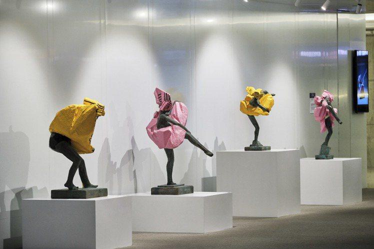 人間風景@台北101—朱銘雕塑展。圖/台北101提供