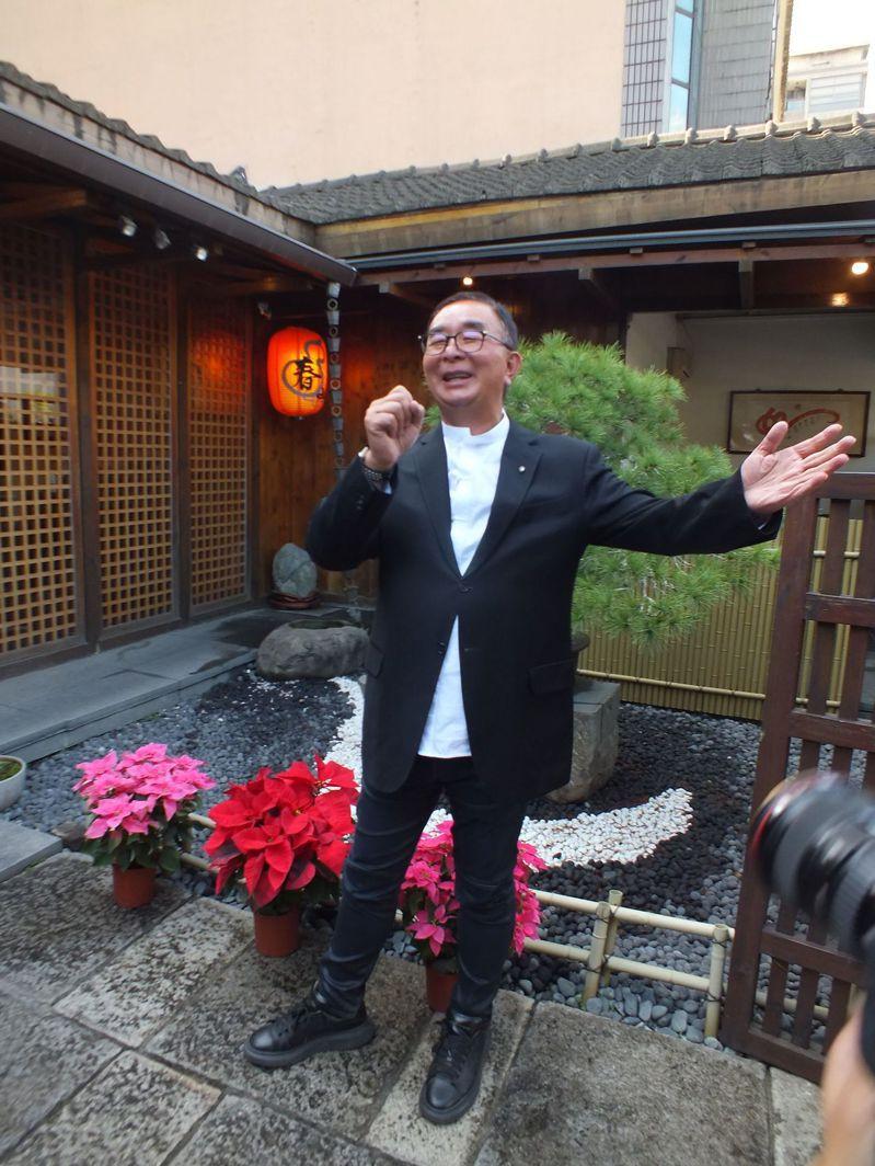 麗明營造25周年慶,平安夜將在國家歌劇院辦感恩音樂會,麗明營造董事長吳春山將登台獻唱2首歌曲圓夢。記者趙容萱/攝影