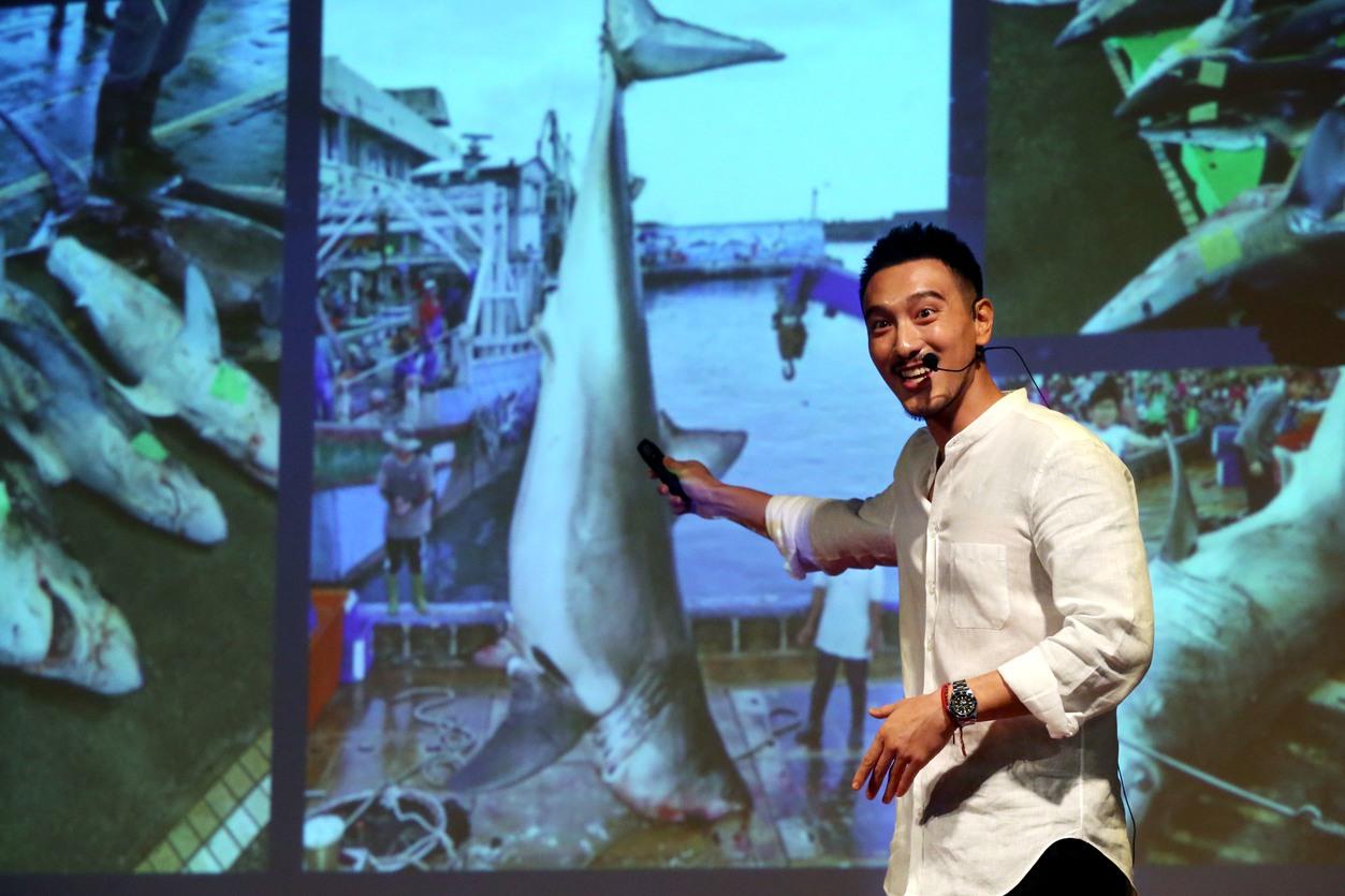 王陽明演講推廣海洋環保 不忘寵懷孕愛妻