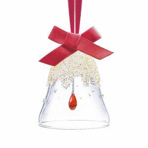可以裝飾耶誕樹的耶誕鐘掛飾。 圖/Swarovski提供