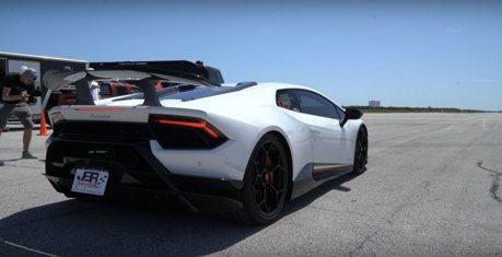 影/機械增壓Lamborghini小牛超跑!裝個機翼就起飛了吧!