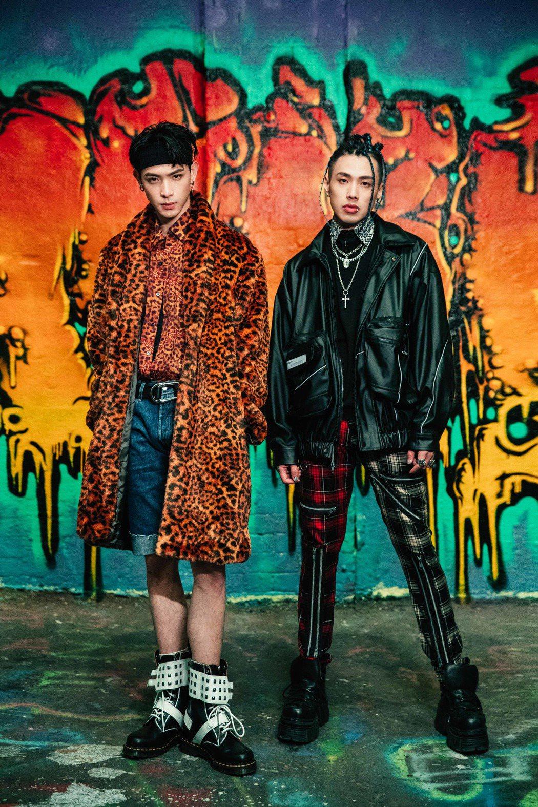 連晨翔(左)新歌「Crazy Love」邀請TRASH樂團主唱阿夜以個人饒舌歌手...