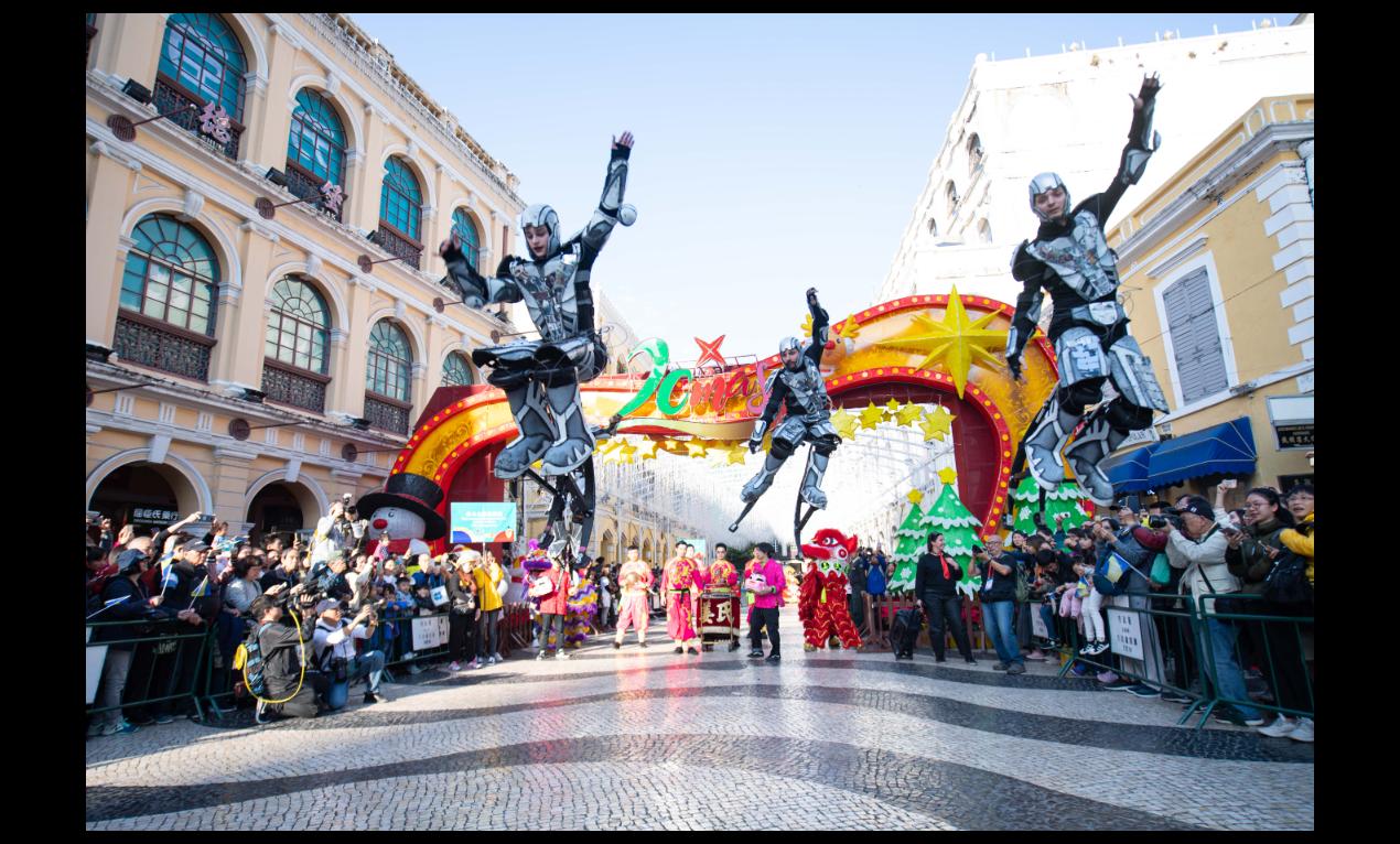 澳門回歸20周年系列慶祝活動之一的「2019澳門國際幻彩大巡遊」已於本月8日舉行...