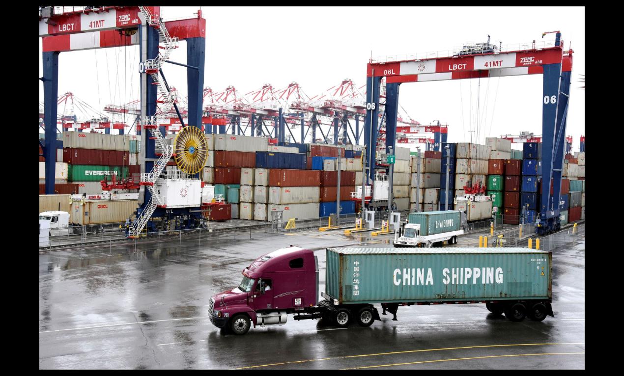 美中達成第一階段貿易協議後,美國對2,500億美元中國商品仍將維持加徵25%關稅...