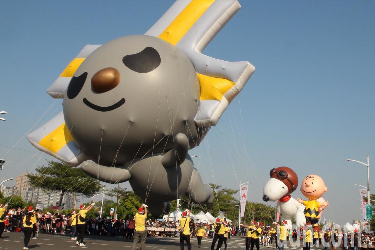高雄夢時代大氣球遊行 親子同樂