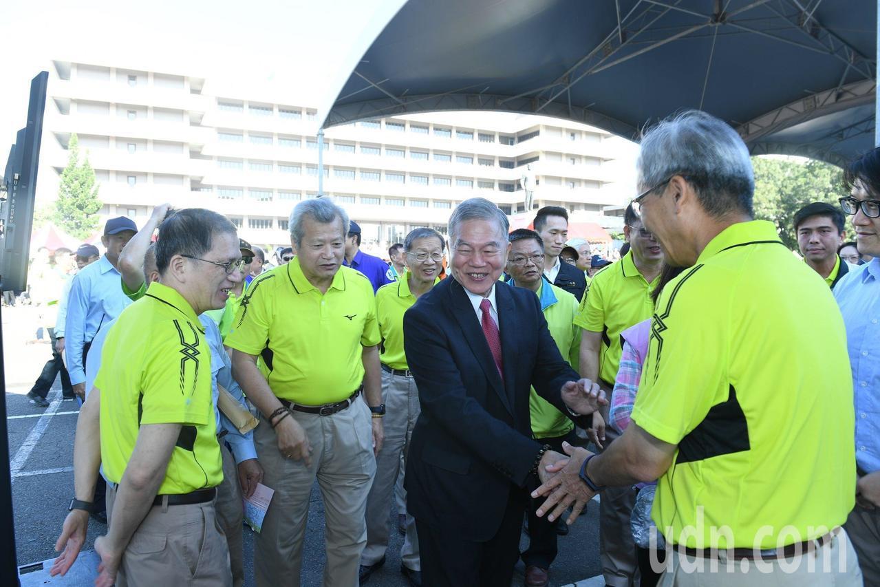 中鋼廠慶 經濟部長沈榮津稱讚中鋼是模範生