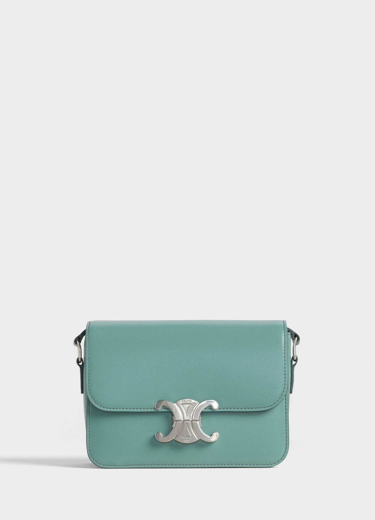 CELINE Triomphe青瓷色光滑小牛皮小型肩背包,售價10萬5,000元...