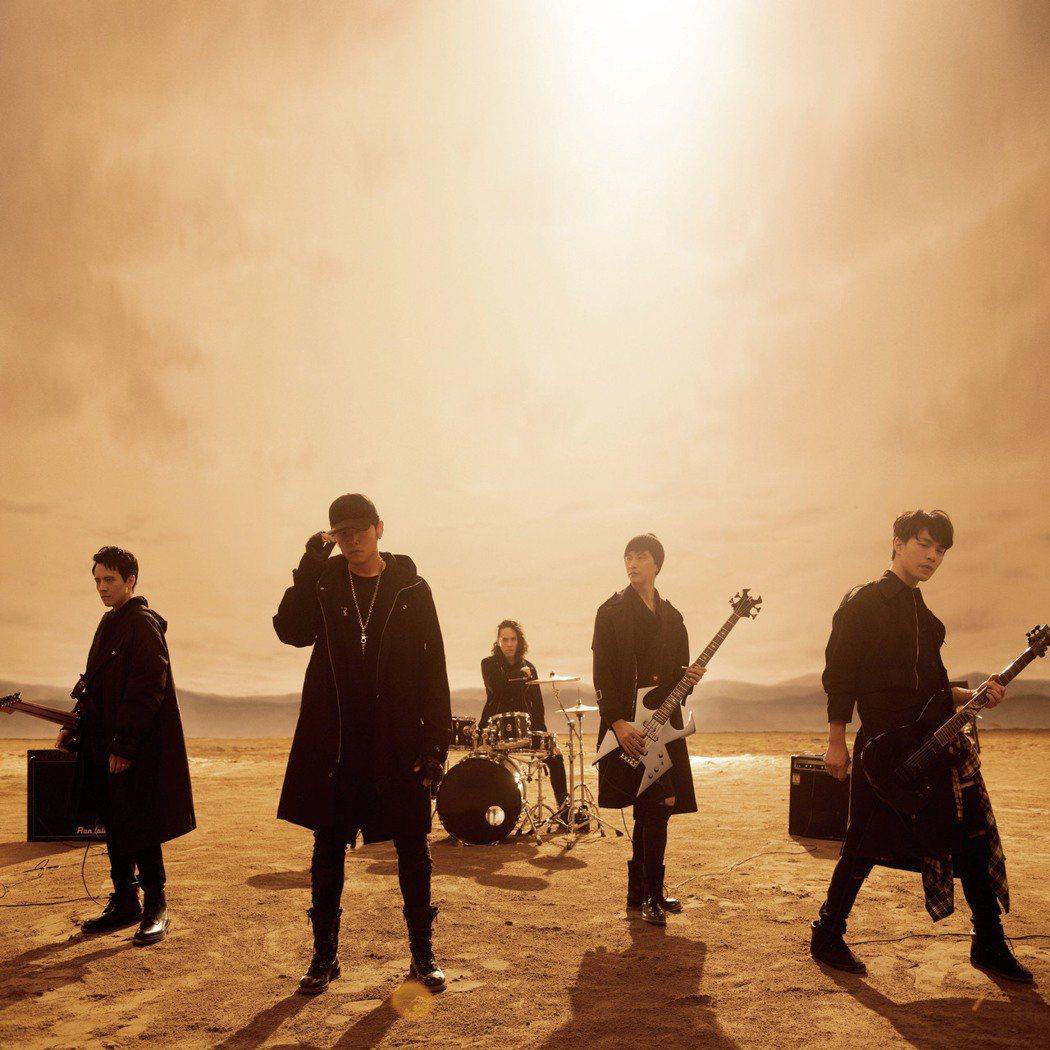 周杰倫新單曲「我是如此相信」MV,樂手陣容被誤認是五月天。圖/杰威爾提供
