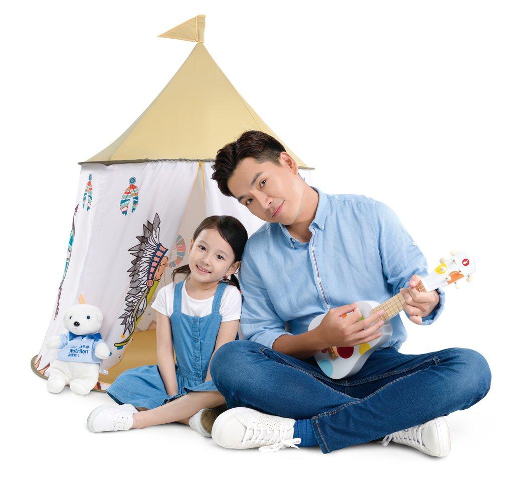 王傳一拍攝代言奶粉形象廣告。圖/ 諾優能提供