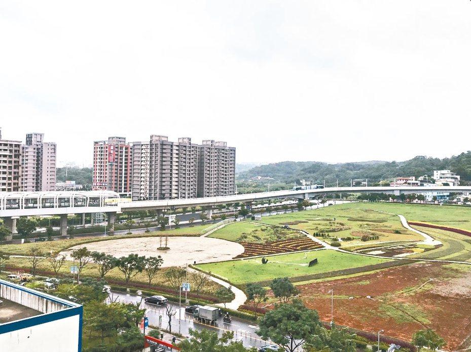 新北市淡海新市鎮是否能擁有大型醫院,居民關注。 記者王敏旭/攝影