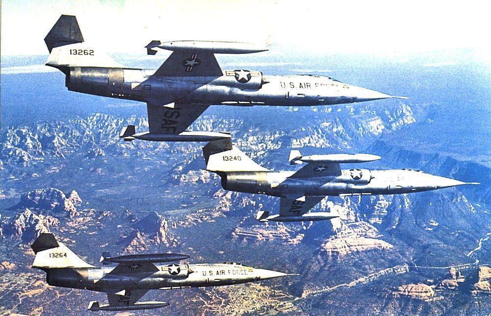 駐路克基地的西德F-104G戰鬥機,圖中三架飛機後來都轉賣給我國。(美國空軍檔案...
