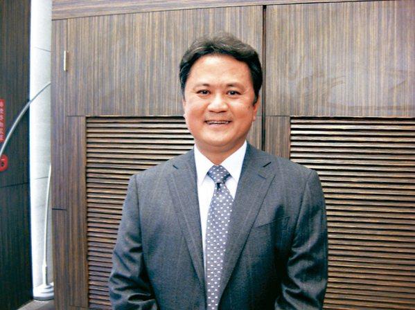 玉晶光董事長陳天慶