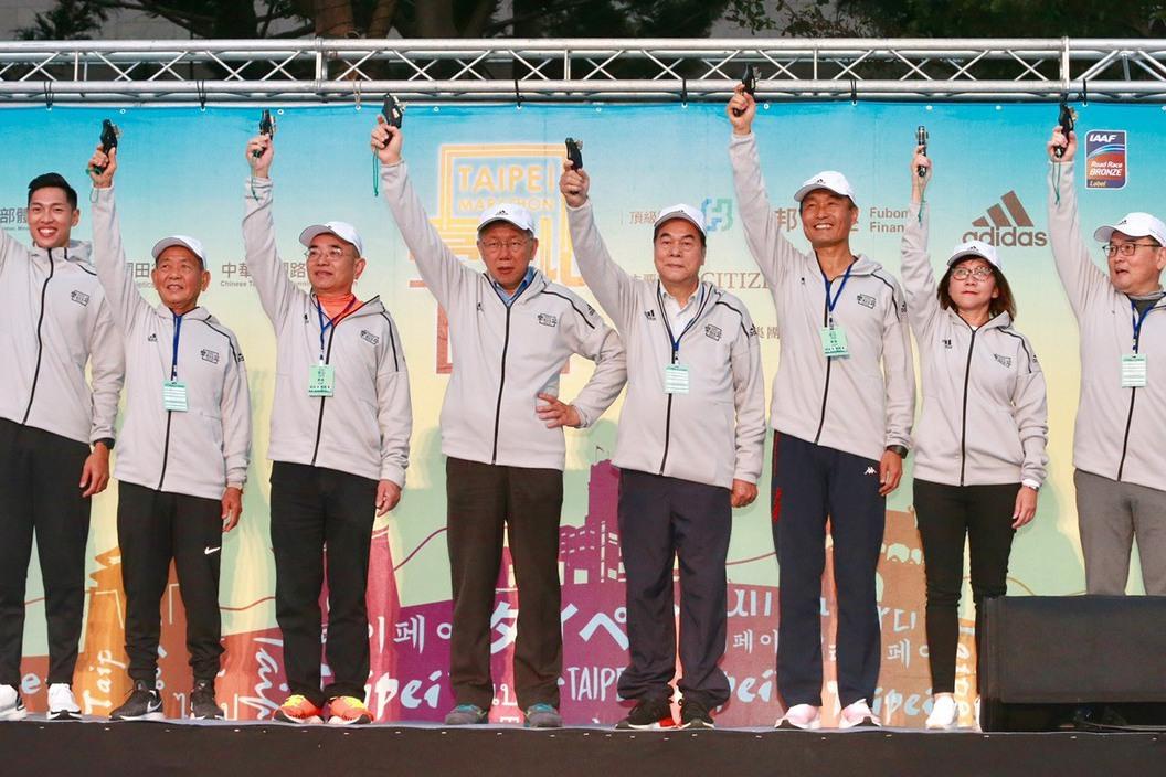 台北馬拉松/楊俊瀚、陳傑合體 跑全馬列人生清單