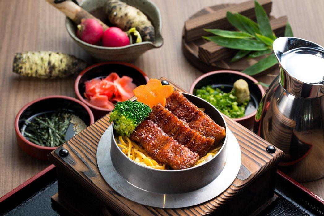 無敵⼀家的蒲燒鰻魚釜燒飯三吃。圖/無敵⼀家 鰻や提供