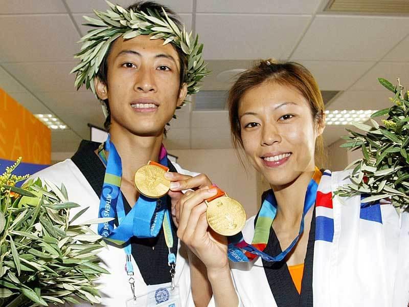 獲得2004年雅典奧運跆拳道雙金的朱木炎(左)及陳詩欣(右)。聯合報系資料照