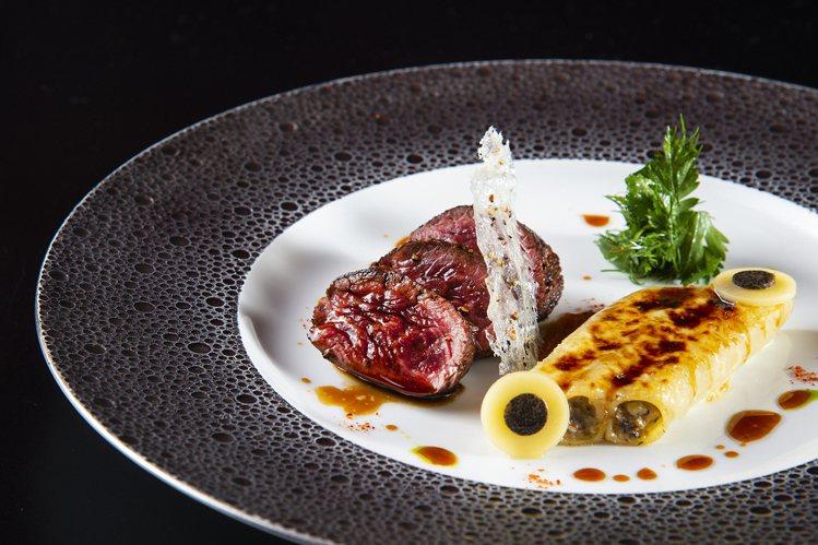 日本鹿兒島A5和牛。圖/侯布雄法式餐廳提供