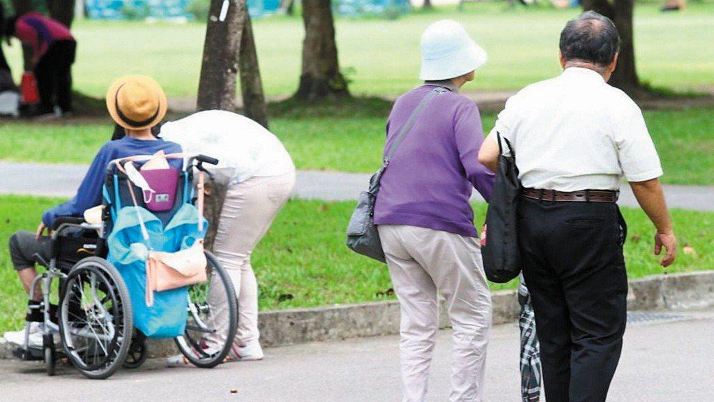 法國巴黎保險調查發現,台灣受訪者對「長期照護保險」興趣十足。 報系資料照