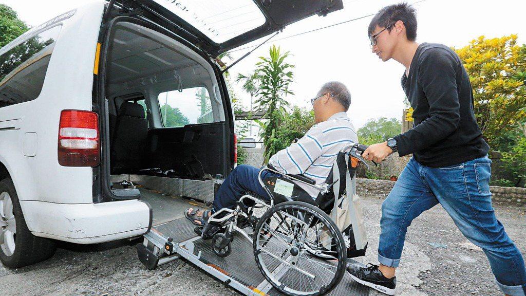 隨著台灣人不婚不生,把自己照顧好成為保障型保險商品的主軸,如醫療險、年金險。 報...