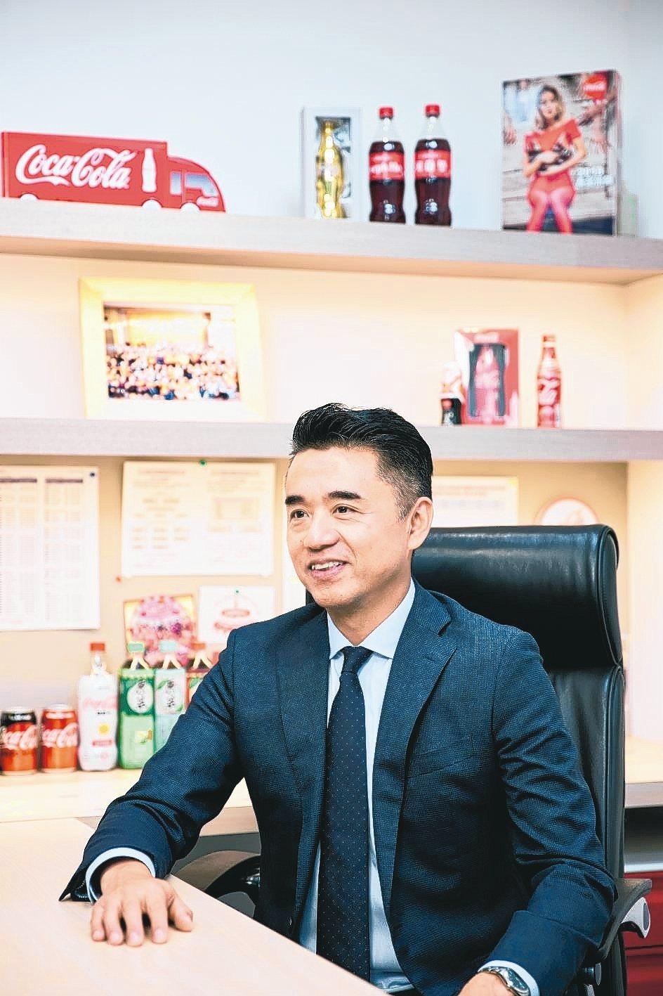 台灣太古可口可樂總經理何蔚堃說,可口可樂公司深入教育,持續喚醒民眾對於使用水資源...
