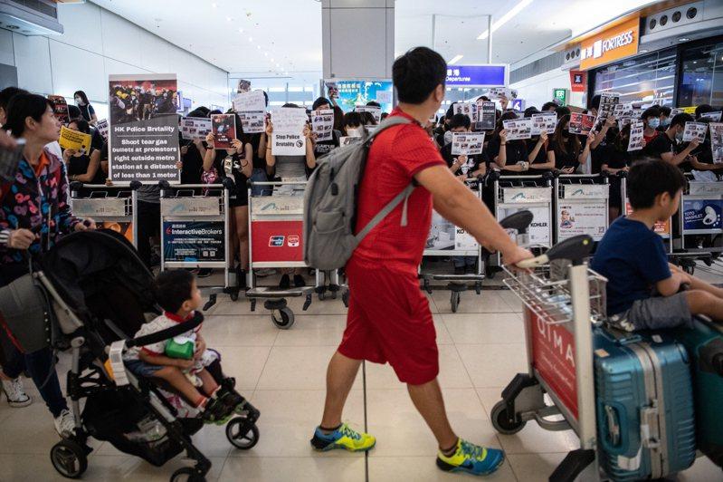11月機場客運量挫16%,逾十年來最大跌幅。 歐新社