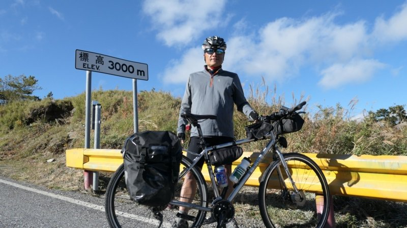 陳忠利認為,騎車環島能看見台灣的輪廓,騎到山上能看見台灣的高度;騎訪部落則可以看...
