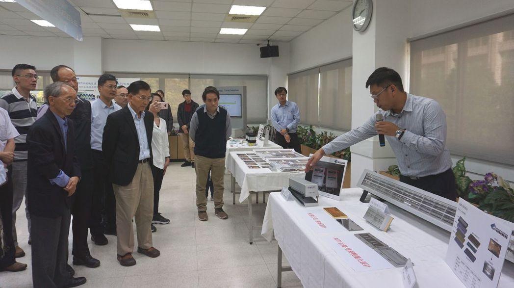 LED-UV印刷設備產業成果發表會現場。 金萊萊/攝影