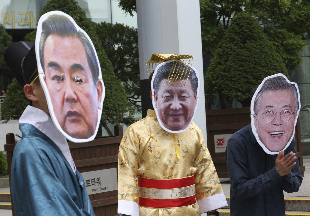 美中對制裁北韓的問題,一方主張持續,一方主張緩解,存在極大落差,問題恐怕不是南韓...