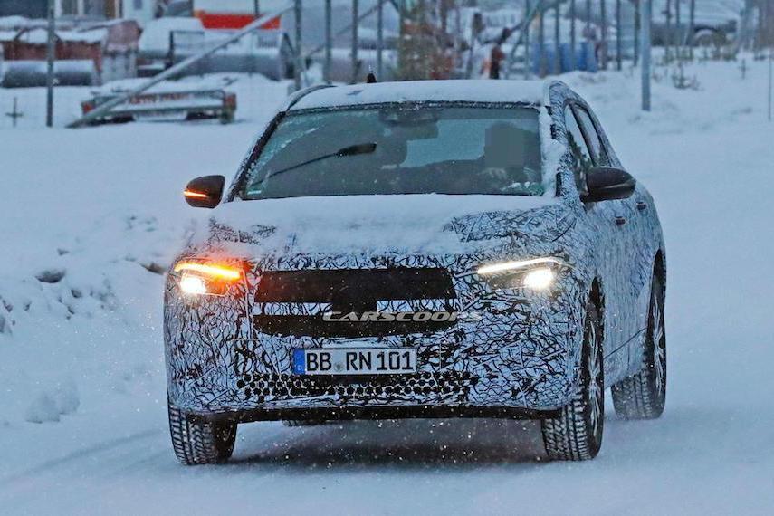 全新Mercedes-Benz EQA電動車雪地捕獲 改以休旅姿態露面