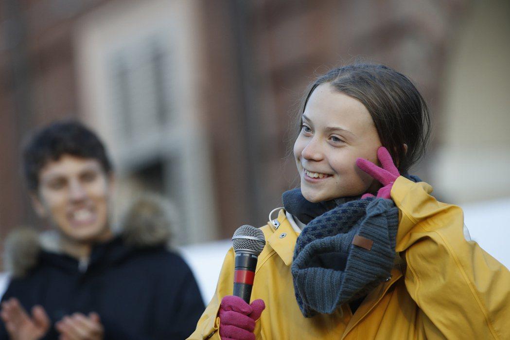 環保少女童貝爾13日在義大利參加抗議活動,就意料到聯合國氣候峰會恐難有結果,怒嗆...