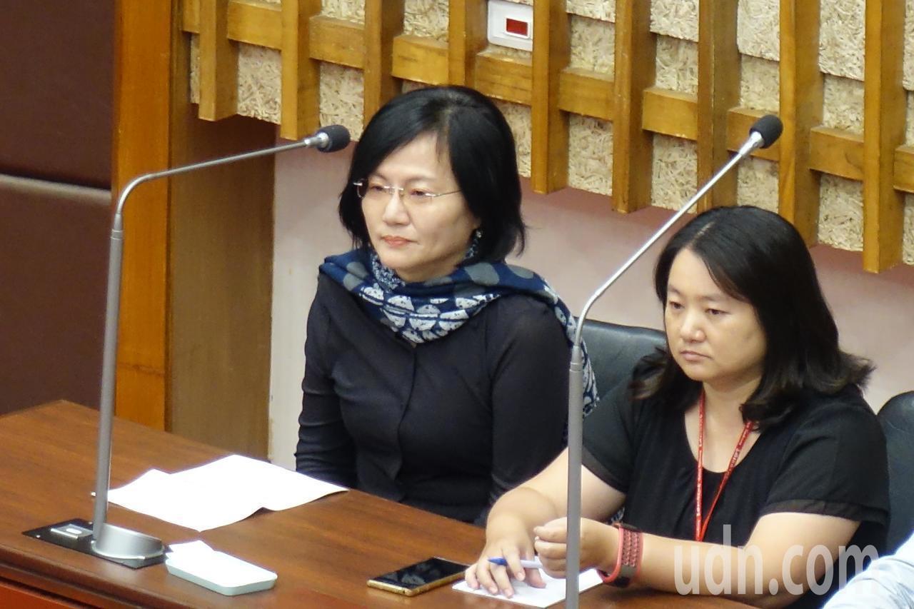高雄市文化局前機要秘書林宜靜(左)調升至觀光局主任秘書。圖/本報資料照片