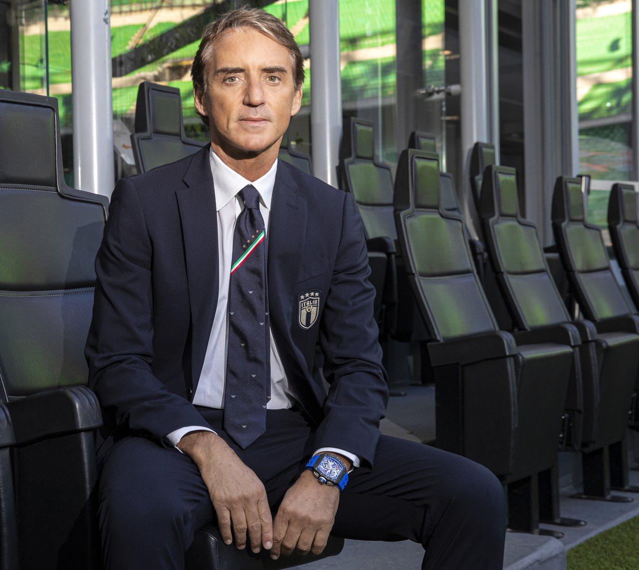 在未來的賽事裡,義大利國家足球隊教練Roberto Mancini都會有RM 1...