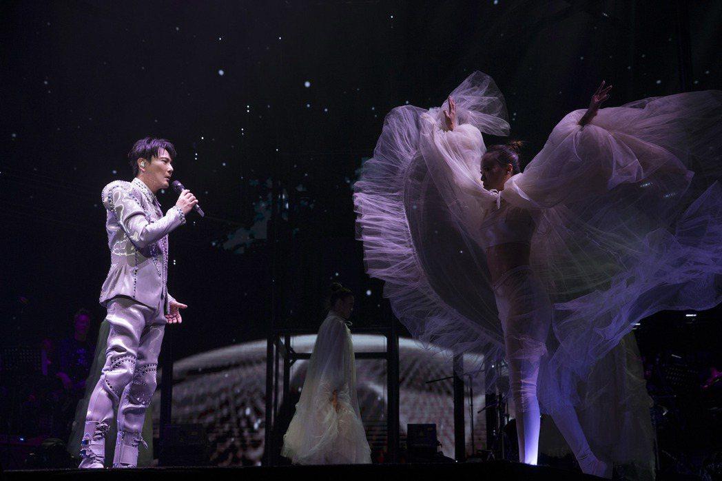張信哲在上海舉辦「未來式」巡演。圖/潮水音樂提供