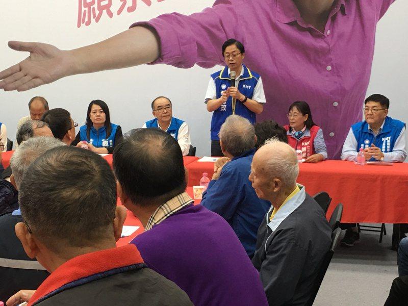 國民黨副總統候選人張善政今天晚上在雲林和軍公教人員座談。記者陳雅玲/攝影