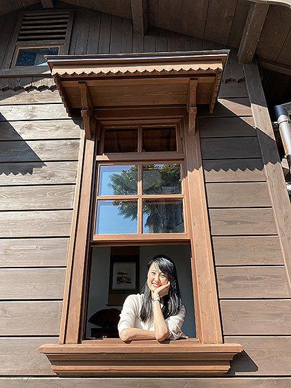 有雁尾造形的雁行式氣窗除了引導雨水流動外,結合西洋式上下懸窗更是獨特。 淡水古蹟...