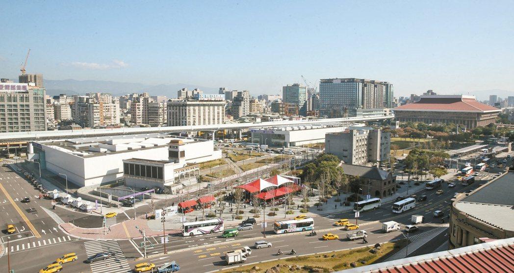 台北車站C1D1雙子星大樓聯合開發案簽約,圖為基地外觀。 記者邱德祥/攝影