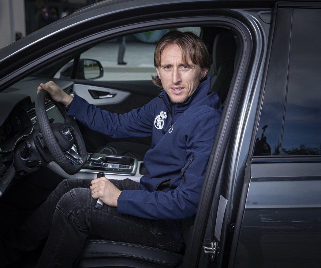 「魔笛」盧卡·莫德里奇(Luka Modric)的代步車是AUDI Q7。 圖/...