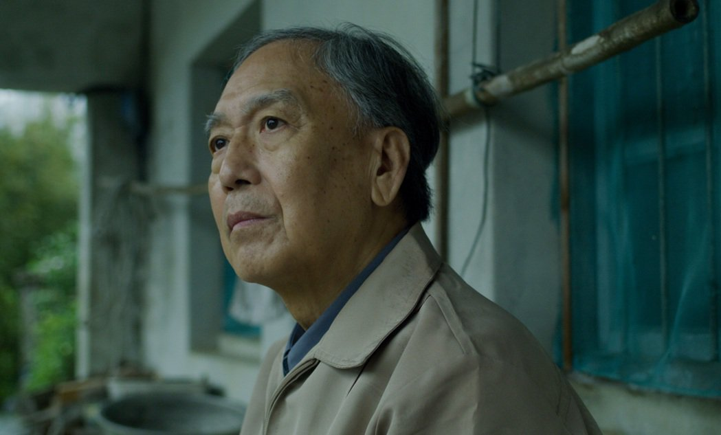 林亭翰新歌「鯨落」MV的臨時演員和自己過世的外公形象雷同。圖/青田音樂提供