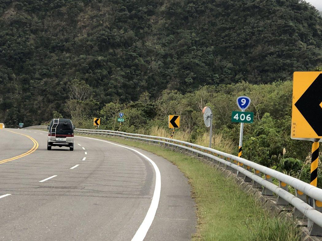 因應蘇花改及南迴改即將通車,台9線里程數縮減,公路單位目前正全面更新南迴公路沿線...