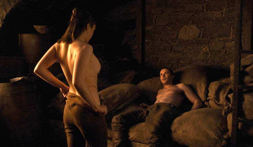 梅西威廉斯在「冰與火之歌:權力遊戲」第一次的床戲讓觀眾感到震驚。圖/摘自HBO