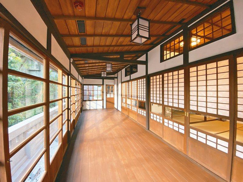 位在新北市淡水重建街底的日本高階警官宿舍整修完畢,昨起免費開放,拓寬的緣側是一大特色。 記者魏翊庭/攝影