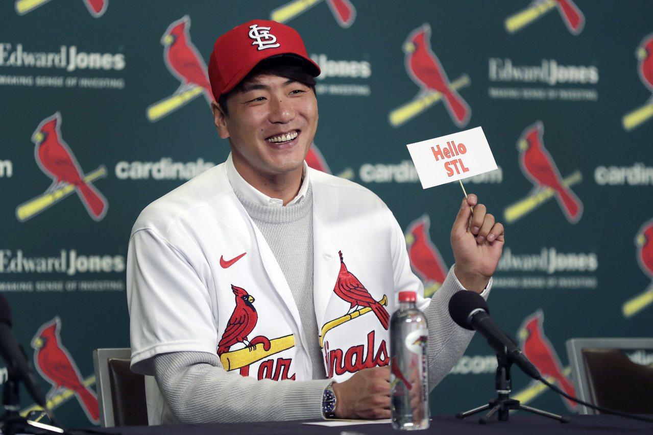 第二次入札挑戰大聯盟,南韓投手金廣鉉終於如願成行,2年約加入紅雀。 美聯社