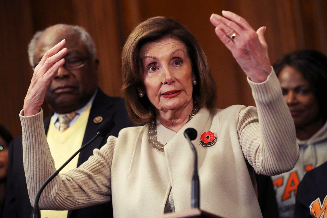 川普17日在眾院彈劾表決的前夕,向民主黨籍的眾院議長裴洛西(Nancy Pelo...