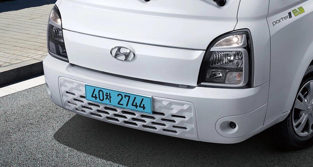 Hyundai Porter II Electric車頭上有著與柴油版Porte...