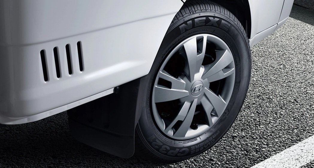Hyundai Porter II Electric鋁圈造型。 摘自Hyunda...