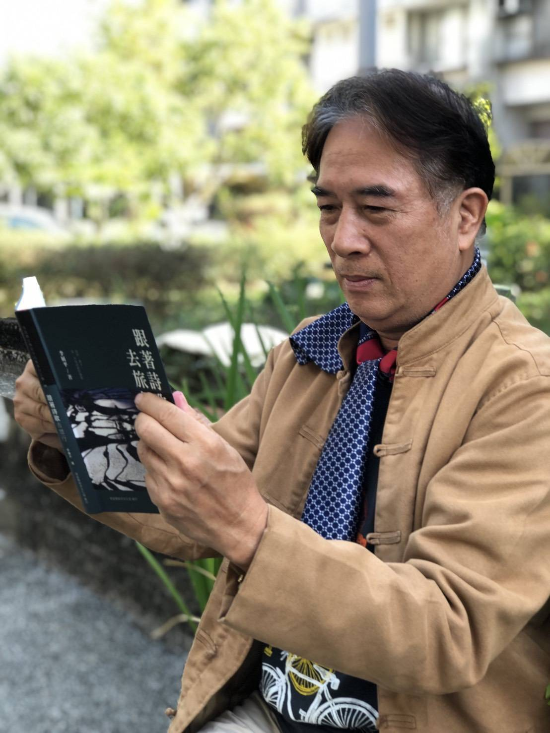李展平說:「65歲重出文學獎賽事,幸能獲獎,說明年齡不是問題,發揮生命潛力才是重...