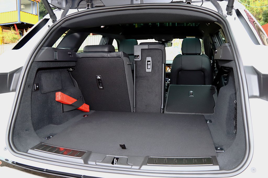 第二代Land Rover Range Rover Evoque後行李廂空間比上...