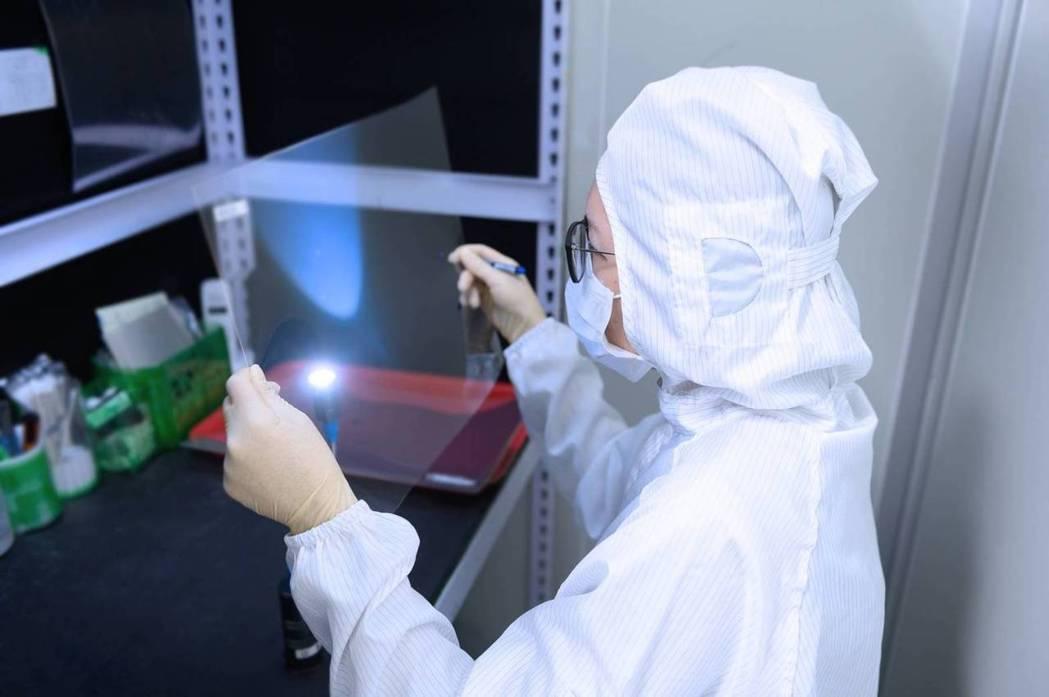 郡宏光電專注導電膜ITO等產品研發。圖/郡宏提供