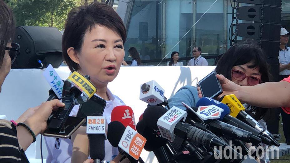 台中市長盧秀燕說,中火如不守法,10張機組執照會依法處理。記者陳秋雲/攝影