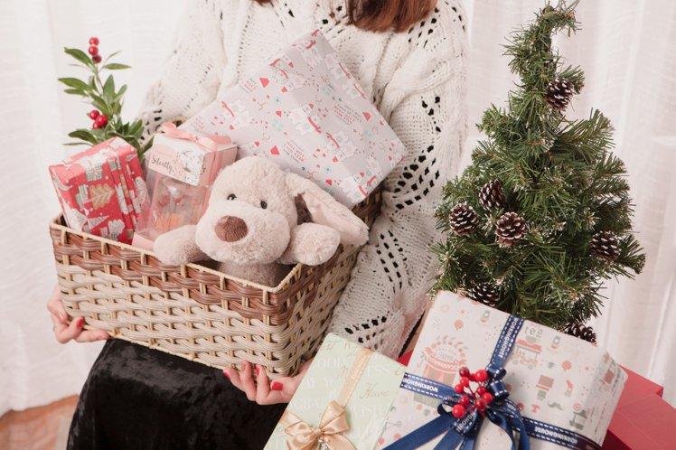 生活工場即日起至2020年1月5日舉辦「極光慶典」耶誕市集活動,推出千項耶誕好物...
