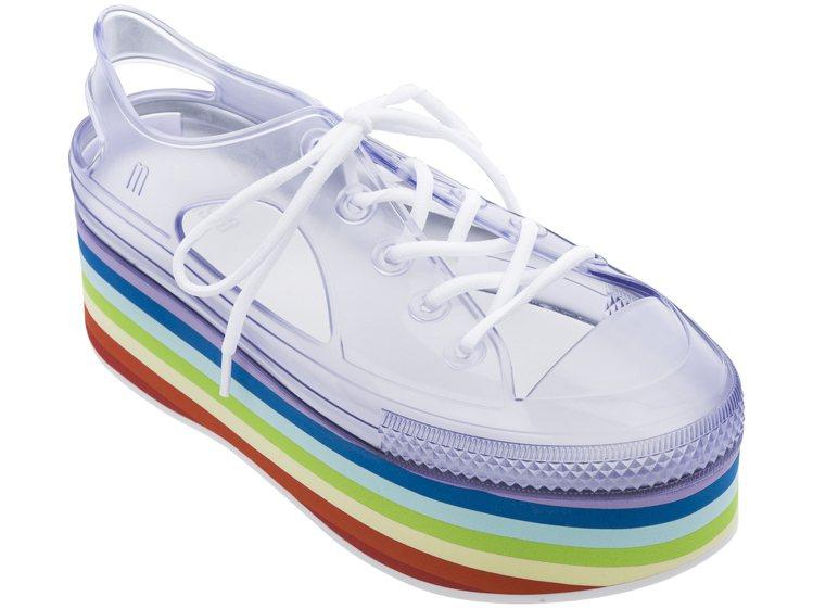 COLORME彩虹潮流鏤空厚底休閒鞋,售價3,680元。圖/Melissa提供